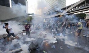 Hong Kong police fire teargas at pro-democracy protesters